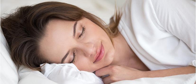 5 Sleep Essentials to Support Mature Skin